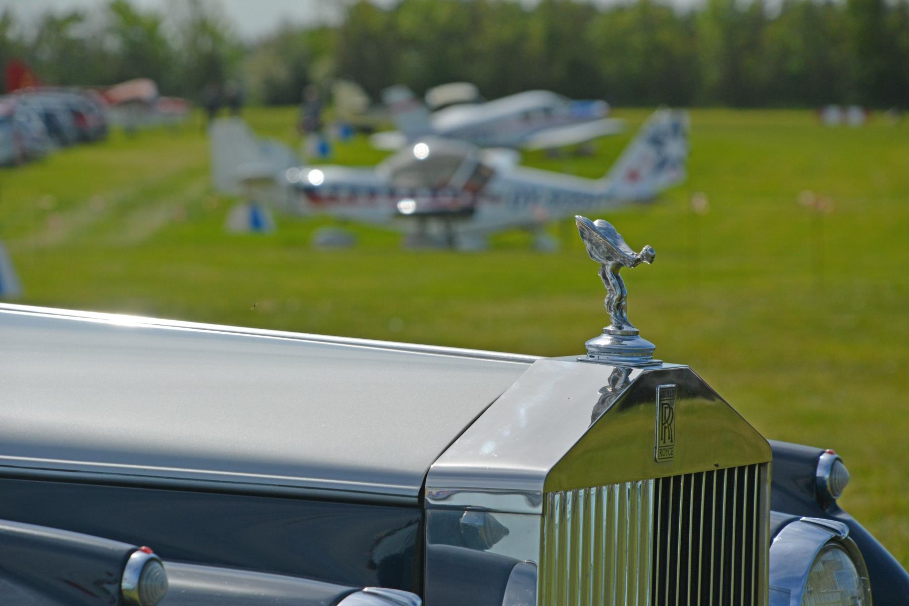 Biler og fly - meget at se på