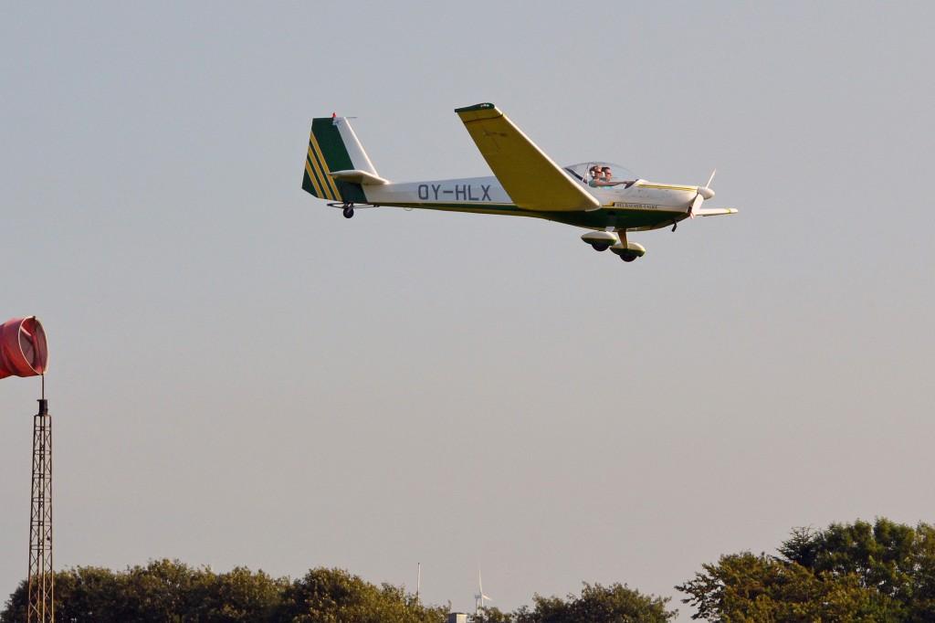 OY-HLX, Heubacher-Falke SF-25C motorsvæver