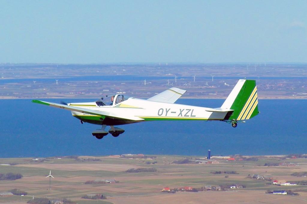 OY-XZL, Scheibe SF-25C motorsvæver